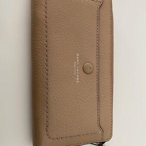 NWT Marc Jacobs Continental Wallet